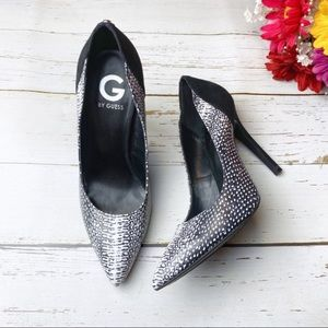 G by Guess Black/White Snakeskin Heels Sz 9